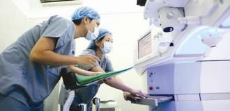 """Kiểm toán: Chênh lệch giá thiết bị y tế vì """"đưa bao nhiêu, duyệt bấy nhiêu"""""""