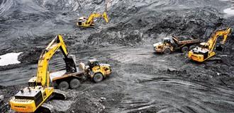 """Giải quyết hàng triệu tấn than tồn kho: Không thể """"chạy theo kinh tế""""?"""