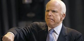 """Bộ ngoại giao Nga """"thương hại"""" ông McCain khi đáp trả lời nhục mạ của ông tới lãnh đạo nước Nga"""
