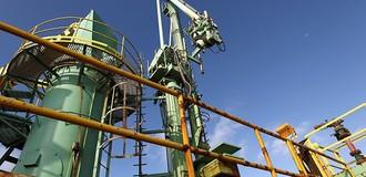 Tồn kho Mỹ giảm 8 tuần liên lục, giá dầu tiếp đà leo dốc