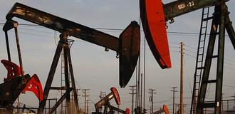 Giá dầu tuột đỉnh 7 tuần trước thềm Mỹ công bố số liệu tồn kho