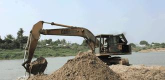 """Giá cát xây dựng tăng cao ngất ngưởng, dân xây dựng """"khóc ròng"""""""