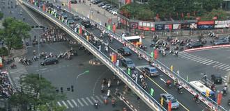 Hà Nội cấm hàng loạt phương tiện qua đường Nghi Tàm để thi công cầu vượt