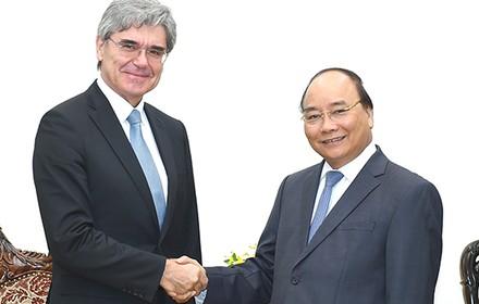 [Round-up] Vietnam, Thailand Head to Trade Value of $20 Billion, Siemens Eyes Transport Infrastructure