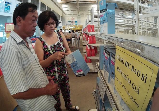 Siêu thị miễn thuế Mộc Bài bán tháo trước ngày 'khai tử'