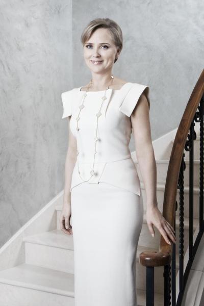 Bà Elena, vợ cũ của