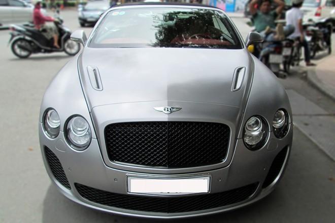 Tháng 2 năm 2009, Bentley tung ra thị trường phiên bản Continental Supersports coupe dành cho thị trường toàn cầu. Khoảng 1 năm sau đó, thương hiệu xe sang Anh Quốc tung ra phiên bản mui mềm Supersport Convertible tại triển lãm xe Geneva Motor Show.