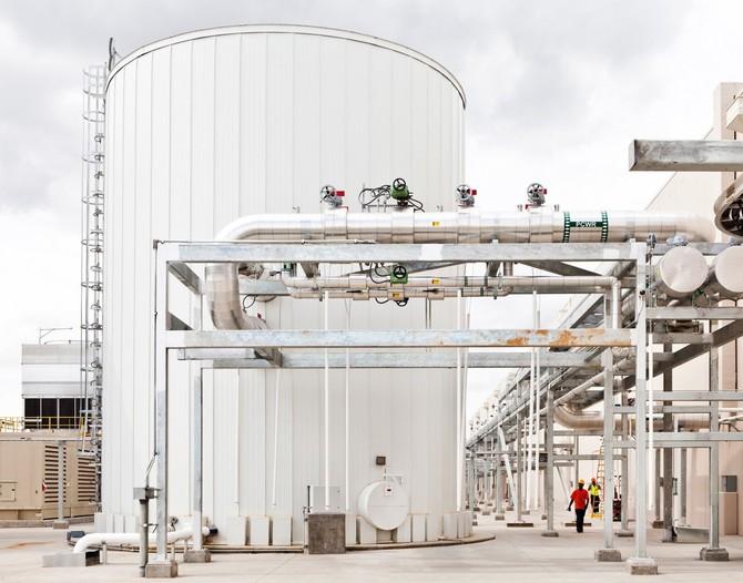 Các trung tâm dữ liệu ở South Carolina có bồn chứa nước này có thể chứa tới 240.000 lít nước, được sử dụng để làm mát trung tâm dữ liệu.