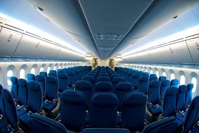 Boeing 787-9 có 28 ghế thương gia, mỗi hàng ngang chỉ xếp 4 ghế nhằm tạo không gian rộng rãi, riêng biệt cho từng hành khách.
