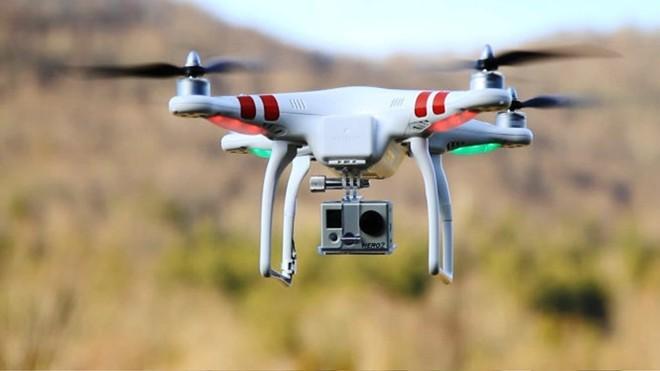 Một dạng thiết bị ghi hình, chụp ảnh trên không (flycam/drone).