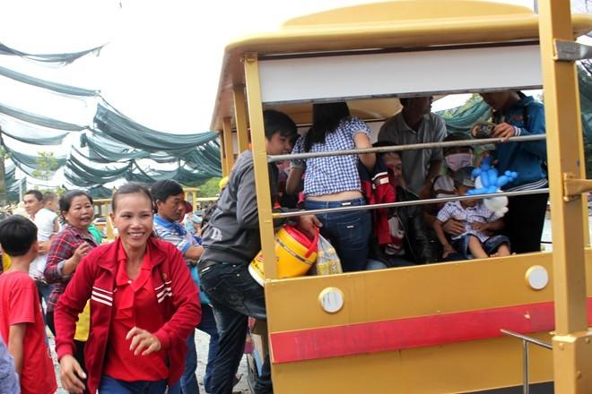 Hàng nghìn người chen nhau ngày Đại Nam miễn phí vé
