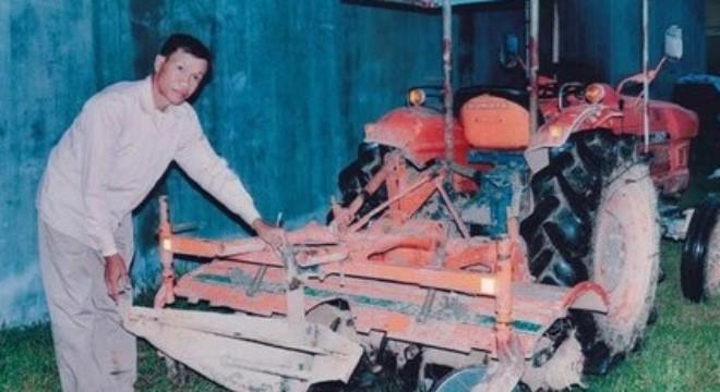 lão nông, nông dân, sáng chế, chế tạo, máy nông nghiệp, hai lúa, vua lốp, xuất khẩu, Israel, Campuchia, tiến sỹ, lão-nông, nông-dân, sáng-chế, chế-tạo, máy-nông-nghiệp, hai-lúa, vua-lốp, xuất-khẩu, Israel, Campuchia, tiến-sỹ