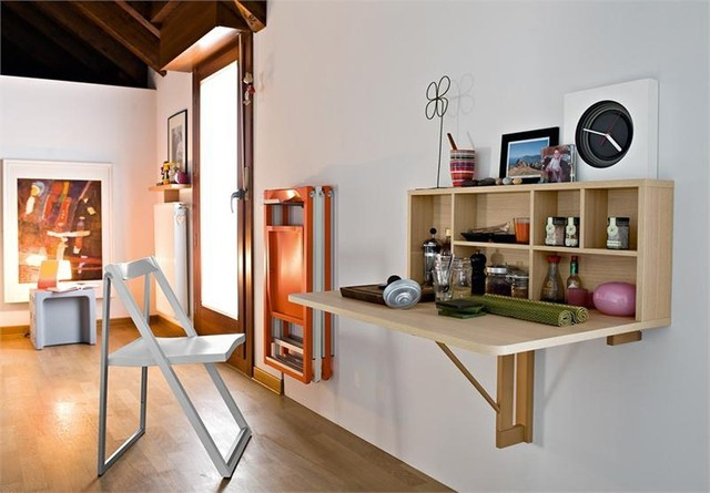 Những vật dụng bằng thủy tinh, bằng kính cũng là một cách tạo điểm nhấn trong căn nhà bạn.