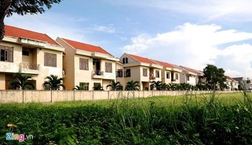 Biệt thự trăm tỷ giữa Đà Nẵng thành khu 'nhà ma' - ảnh 1