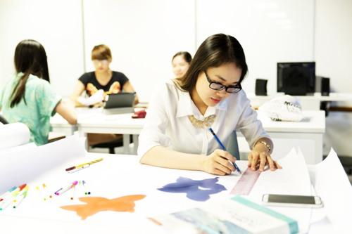Kiến thức thời trang và đầu óc chiến lược giúp bạn phát triển trong ngành công nghiệp này.
