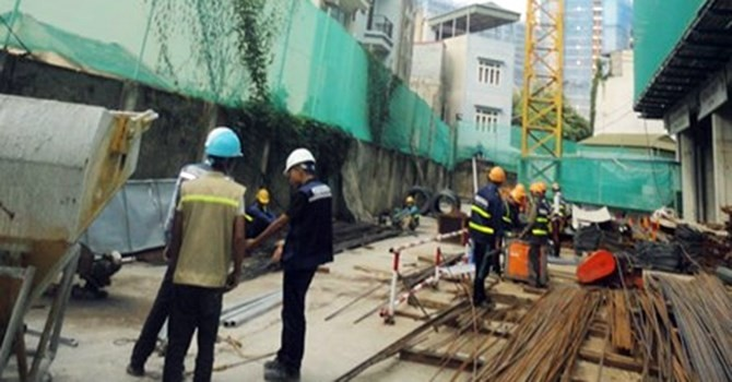Dân khổ vì công trình xây dựng tại 87 đường Lĩnh Nam