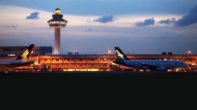 Dễ dàng tới các quốc gia khác: Singapore rất nhỏ, nhưng nằm gần nhiều quốc gia châu Á khác, khiến việc đi lại thuận tiện và dễ dàng. Từ Singapore, bạn có thể nhanh chóng tới Indonesia, Malaysia, Thái Lan, Australia, Hong Kong, New Zealand... và nhiều nơi khác, nhất là với sân bay hàng đầu thế giới Changi. Ảnh: Yoursingapore.