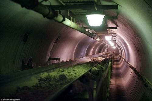 Cuộc sống trong mỏ vàng lạnh giá nhất thế giới - ảnh 10