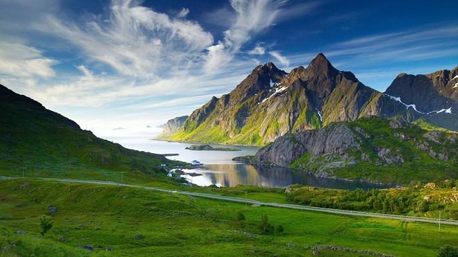 1. Na Uy: Quốc gia vùng Scandinavia này lại một lần nữa dành vị trí đầu bảng trong 7 năm liên tiếp. Đây cũng là quốc gia duy nhất lọt vào top 10 của mọi chỉ số phụ. Ảnh: Hdwallpapersnew.