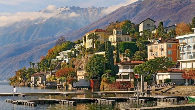 2. Thụy Sĩ: Quốc gia với dãy Alps tuyệt đẹp đứng đầu chỉ số về chính phủ và là nền kinh tế được đánh giá cao thứ 2 thế giới. Ảnh: Pichost.