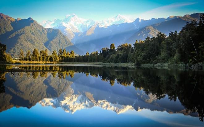 4. New Zealand: Chỉ số xã hội của New Zealand cao nhất thế giới và đây là quốc gia thịnh vượng nhất không thuộc châu Âu. New Zealand thu hút du khách nhờ cảnh đẹp thiên nhiên nguyên sơ, hùng vĩ. Ảnh: Airshare.