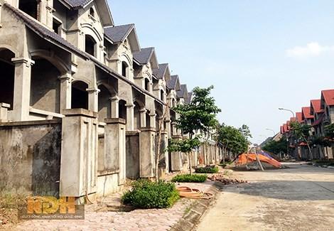 """Siêu đô thị nhà giàu """"ký sinh"""" hạ tầng nhà nghèo"""