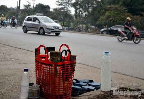 Những 'ám hiệu' trong kinh doanh ở vỉa hè Hà Nội - ảnh 5