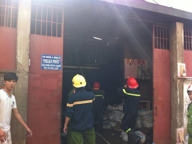 Cháy xưởng nhựa rộng 200 m2 ở Sài Gòn