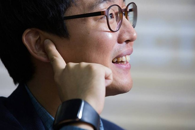 Choi Huyn Chul được Samsung hỗ trợ thành lập công ty riêng để phát triển ý tưởng về thiết bị TipTalk.