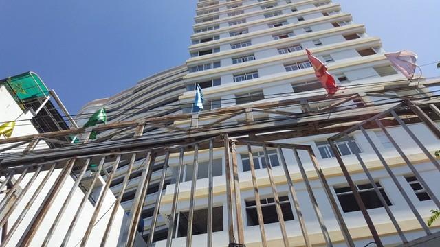 Một số khách hàng đã mua căn hộ tại đây cho biết trong thời gian tới, nếu như ngân hàng Phương Nam (nay đã sáp nhập vào Sacombank) siết dự án thì tình cảnh của người mua nhà càng bi đát hơn.