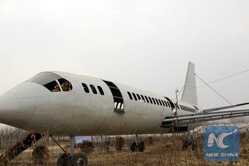 Lão nông chi nửa tỷ chế 'máy bay' Boeing 737 khổng lồ - ảnh 4