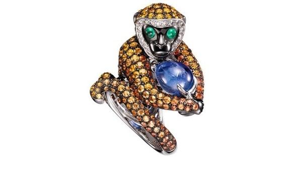Trang sức hình khỉ làm quà tặng Tết: Boucheron Bestiary là một trong số những bộ sưu tập lấy cảm hứng từ nhiều con vật khác nhau, trong đó có chiếc nhẫn hình con khỉ. Hầu hết các thiết kế đều được làm từ vàng trắng, hồng, đi kèm các loại đá quý. Ảnh: Chiếc nhẫn hình con khỉ.