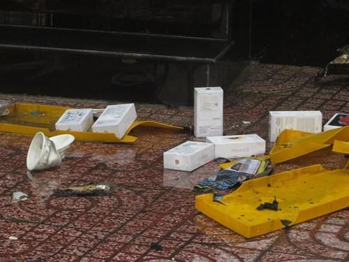 Thế Giới Di Động và những smart phone sót lại sau vụ cháy lớn ở Sài Gòn - ảnh 14