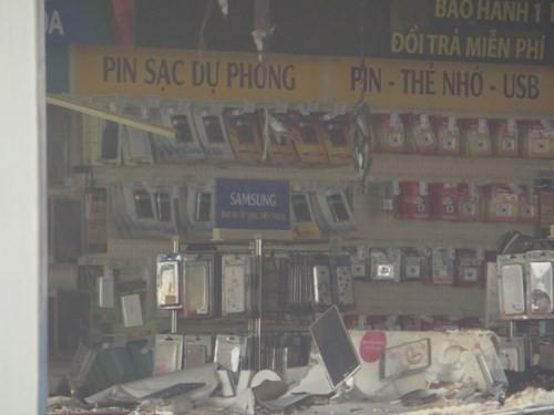 Thế Giới Di Động và những smart phone sót lại sau vụ cháy lớn ở Sài Gòn - ảnh 9