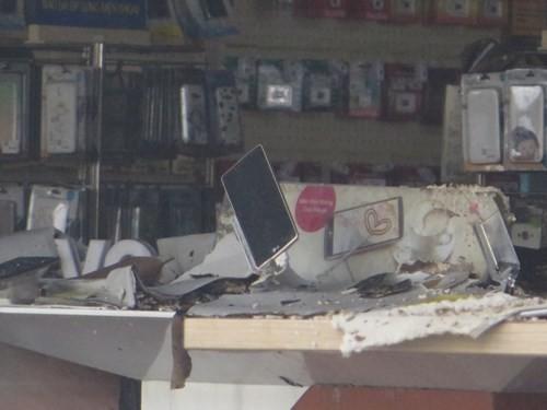 Thế Giới Di Động và những smart phone sót lại sau vụ cháy lớn ở Sài Gòn - ảnh 2