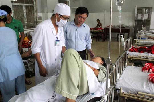 Đến sáng 1-2, vẫn còn rất nhiều trường hợp đang điều trị tại Bệnh viện đa khoa Quảng Ngãi.