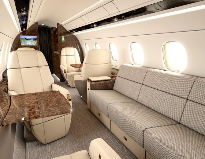 Đối với những hành khách muốn bắt một số nhắm mắt, sự đi văng và ghế đội trưởng đều có thể được neo đậu vào giường.
