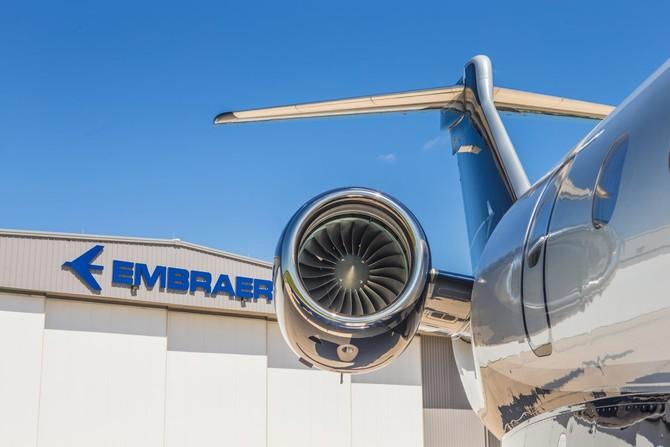 Nó được hỗ trợ bởi một cặp động cơ phản lực Honeywell HTF75000E. Mỗi sản xuất hơn 7.000 pound sức đẩy.