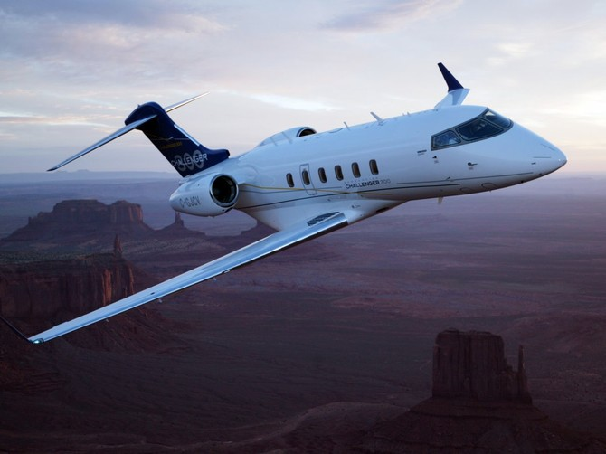 ... Bombardier Challenger 300 và ...