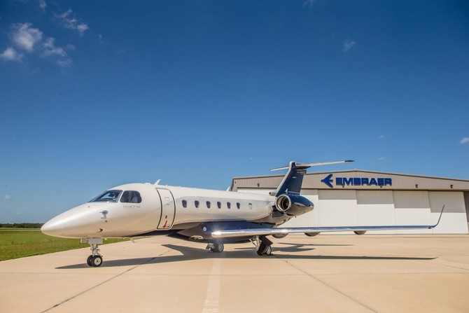 The Legacy 500 là cung cấp mới nhất từ Embraer Không gian vũ trụ của Brazil. Đó là một trong những nhà sản xuất máy bay lớn nhất thế giới và sản xuất máy bay thương mại, tư nhân và quân sự.