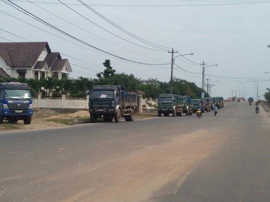 Nhiều xe chở quá tải đã bị lực lượng CSGT lập biên bản xử phạt
