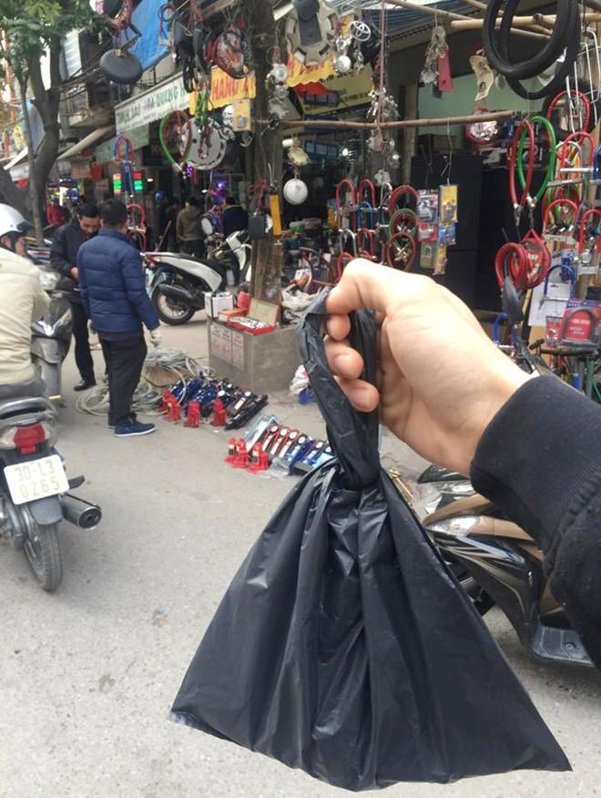 ĐBQH giám sát lời nói của Chủ tịch Hà Nội về chợ Trời