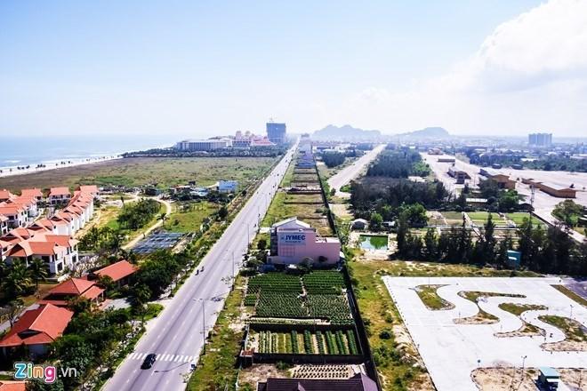 Dừng xây dựng một số công trình quanh sân bay Nước Mặn