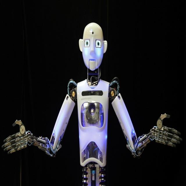 """Trong báo cáo mới, World Bank đã chỉ tận tay những quốc gia đang phát triển nào sẽ gặp rủi ro lớn nhất và có nguy cơ mất nhiều việc làm khi công nghệ robot phát triển. Danh sách này nhắm đến các quốc gia đang phát triển vì """"mức độ ảnh hưởng khi những công việc mang tính công nghiệp hóa bị chuyển từ sử dụng con người sang sử dụng máy móc ở các quốc gia đang phát triển luôn cao hơn hẳn các nước phát triển, nguyên nhân là vì những công việc chân tay này hiện tại đã không còn tồn tại ở các quốc gia phát triển nữa"""" báo cáo cho hay."""