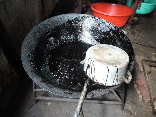 Chảo dùng để nấu caramen