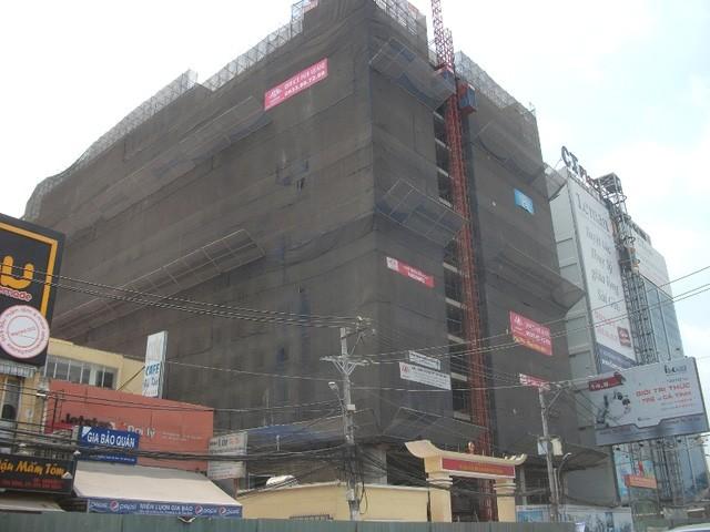 Một dự án cao ốc văn phòng cho thuê nằm trên đường Hoàng Văn Thụ, ngay công viên và chỉ cần 5 phút là vào đến sân bay.