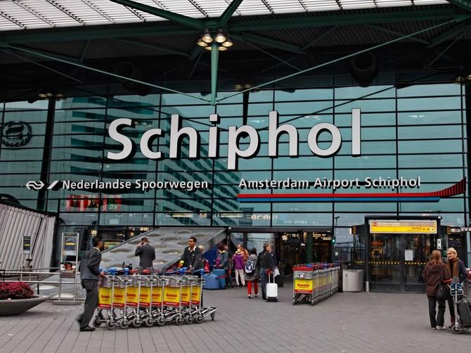 Số 14. Amsterdam Airport Schiphol (AMS): 58.284.864 hành khách vào năm 2015