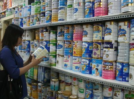 'Đánh tráo' sữa bột - sữa tươi: Người tiêu dùng 'hứng' cả - Ảnh 2