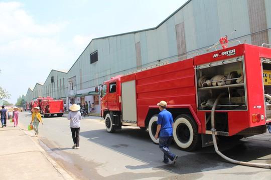 10 xe chữa cháy được điều đến hiện trường