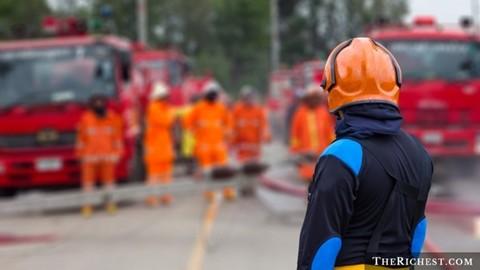 Lính cứu hỏa. Thu nhập trung bình năm: 70.000 USD. Lính cứu hỏa phải thực sự có sức khỏe và sự nhạy bén công việc. Tuy nhiên, họ chỉ cần rèn luyện chứ không cần quá nhiều bằng cấp để theo đuổi